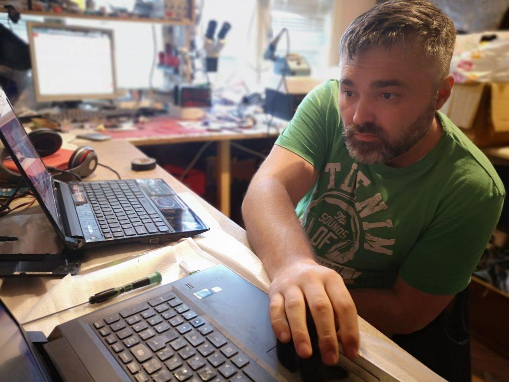 Ремонт на лаптопи във Варна